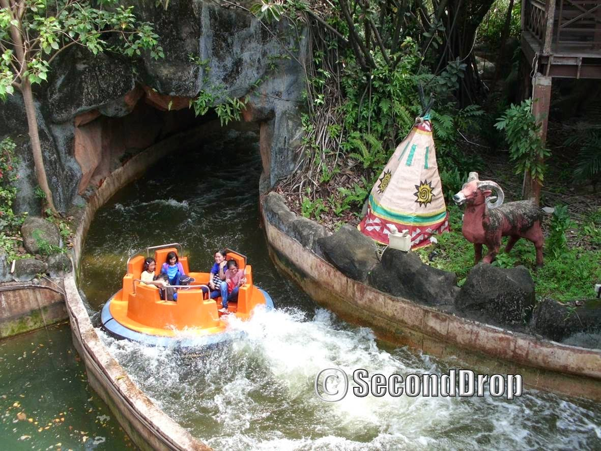 This rapids ride does not feature a drop like Jurassic Park Rapids Adventure